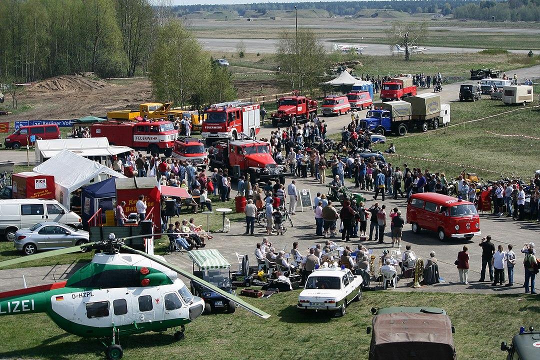 Flughafen Finow mit Hubschrauber