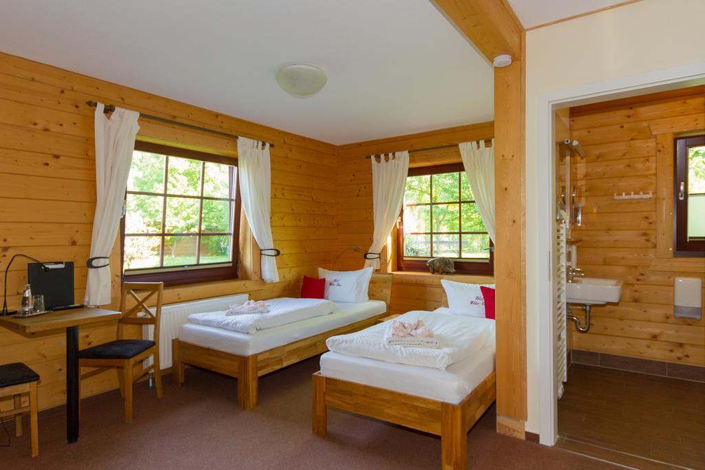 Doppelbettzimmer 2 Fenster